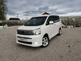 Якутск Toyota Voxy 2012