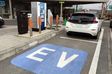 Япония собирается к 2035 году убрать с внутреннего рынка авто на бензине и дизеле