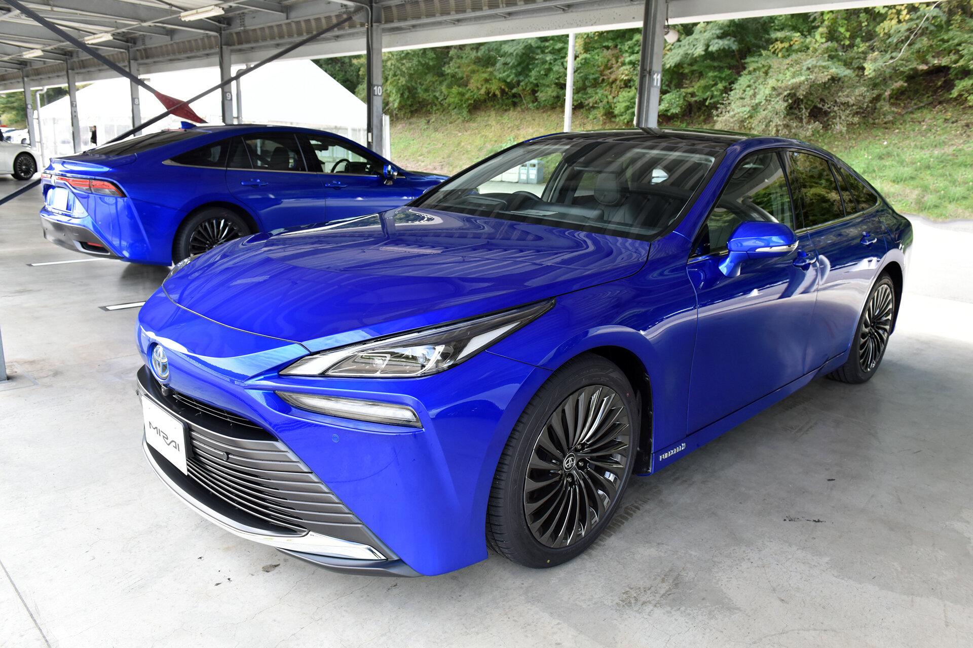 Toyota установила привлекательную цену на Mirai второго поколения: дешевле Tesla Model S