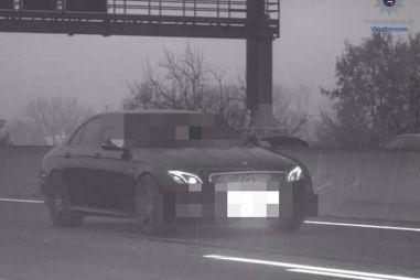 В Германии Мерседес превысил скоростной лимит более чем в три раза