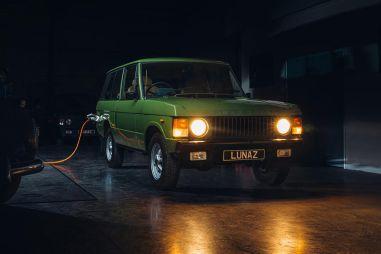 Экс-инженеры Формулы 1 электрифицировали классический Range Rover