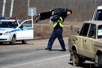 Законопроект, позволяющий полиции вскрывать автомобили, принят в первом чтении