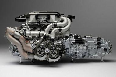 Босс Lamborghini и Bugatti: мы будем использовать ДВС так долго, как сможем
