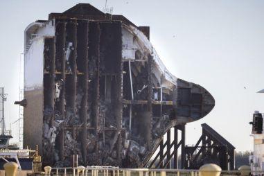 Названа причина крушения судна с машинами: виноваты тяжелые корейские кроссоверы