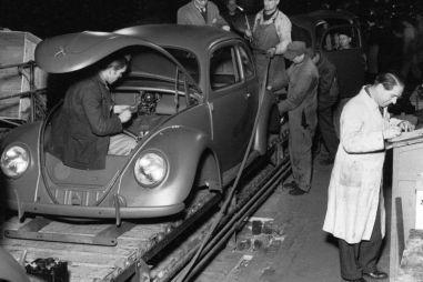 Volkswagen отмечает 75-летие с начала выпуска «Жука»