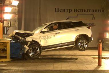 В России провели краш-тест нового китайского кроссовера Bestune T77