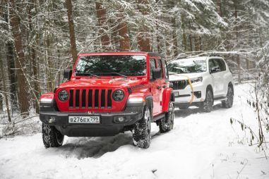 Jeep Wrangler Rubicon против Toyota Land Cruiser Prado. «Прадик» и «Рубик»