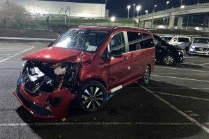 Уволенный сотрудник Mercedes уничтожил 50 минивэнов на испанском заводе компании (ФОТО)