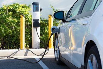 Лукашенко пообещал, что Беларусь перейдет на электромобили раньше, чем Европа
