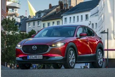 В России начались «живые» продажи Mazda CX-30: от 1 653 000 рублей
