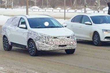 Фотофакт: АвтоВАЗ испытывает рестайлинговые Весты