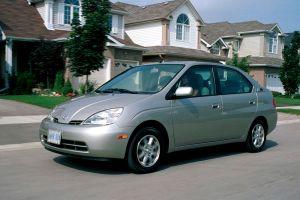 Топ-5 машин, которыми владеют как минимум по 15 лет: одни Тойоты