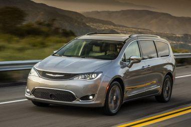 Chrysler не собирается уходить из России, хотя продает здесь три десятка машин в год