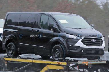 Ford Transit Custom и Tourneo Custom скоро сменят поколение и получат по шесть гаек на колесо