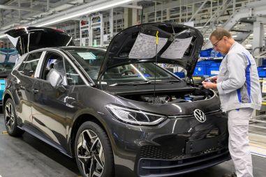 Европа стремительно переходит на «электрички»: Volkswagen ID.3 уступил по популярности только Гольфу