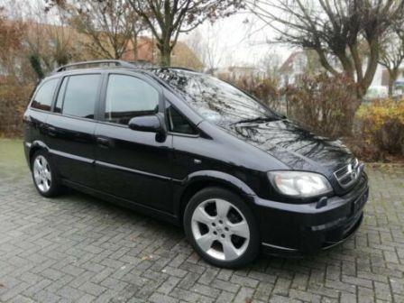 Opel Zafira 2003 - отзыв владельца