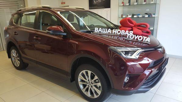 Toyota RAV4 2018 - отзыв владельца