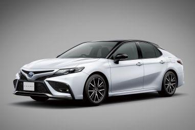 В Японии начались продажи модернизированной Toyota Camry