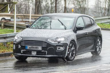 На дорогах Европы начались тесты обновленного Ford Focus