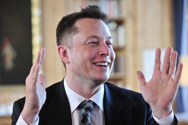 Илон Маск: не покупайте машину, когда производство активно растет