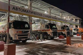 Хабаровский НПЗ возобновил отгрузку бензина АИ-92 и АИ-95 на заправки после остановки