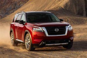 Новый Nissan Pathfinder: нормальный «автомат» вместо вариатора и крутой дизайн