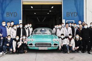 В Китае начали выпускать копию Chevrolet Corvette 1958 года