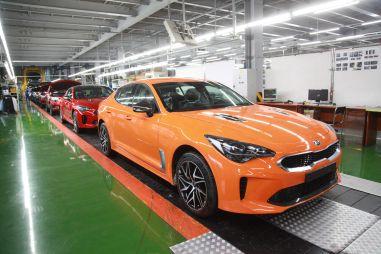 Kia объявила цены на обновленный Stinger