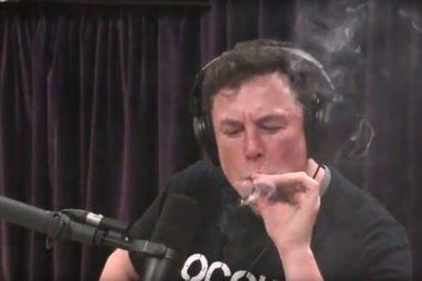 Илон Маск: Tesla Roadster должна парить над землей