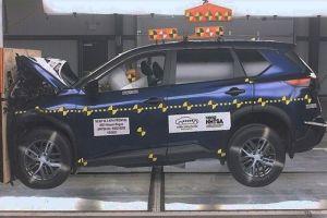 Nissan рассказал, что не так с новым X-Trail, провалившим краш-тест NHTSA