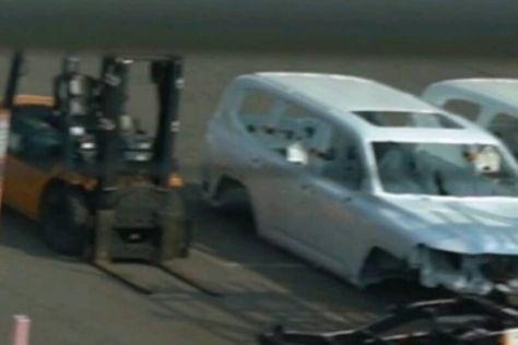 Кузов и раму Toyota Land Cruiser 300 сфотографировали на заводе в Японии