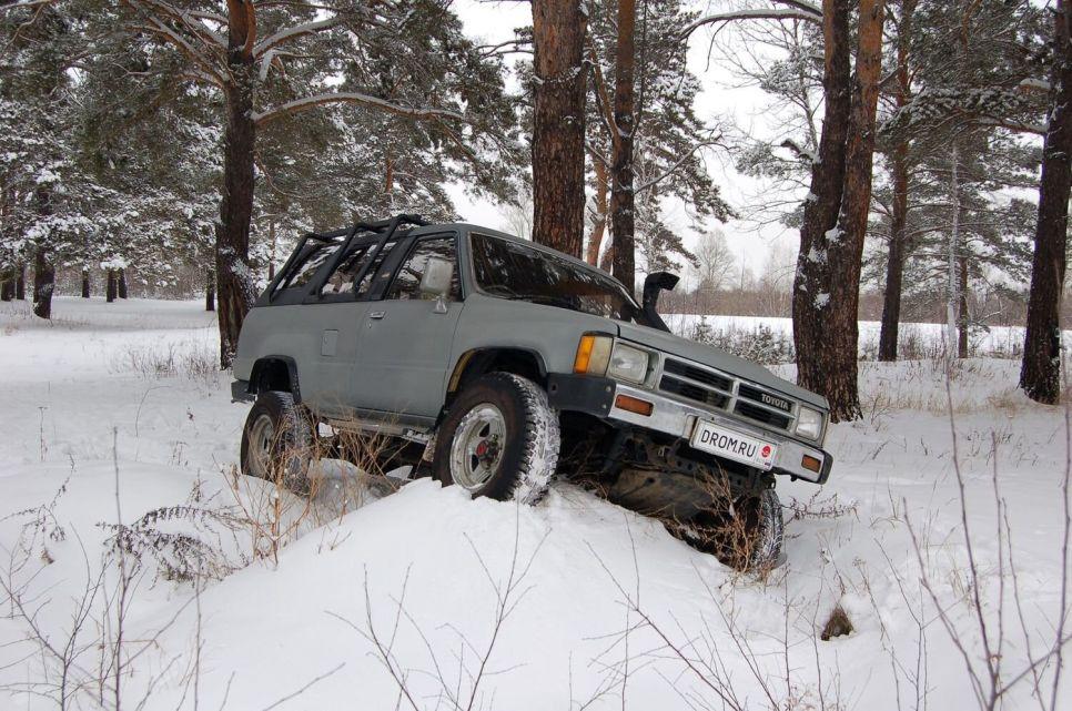 Народное ретро. Toyota Hilux Surf первого поколения. Он — настоящий!