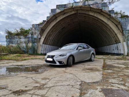 Lexus IS300h 2015 - отзыв владельца
