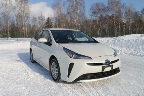 Toyota Prius 2019 - отзыв владельца