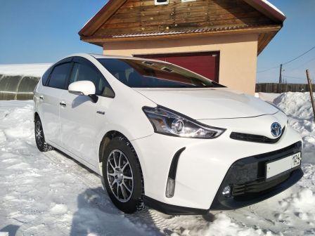 Toyota Prius Alpha 2015 - отзыв владельца