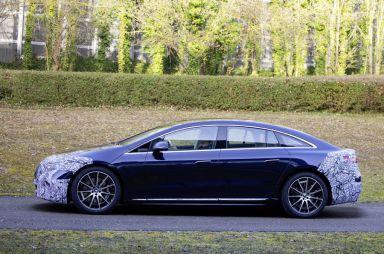 Перспективный конкурент Tesla Model S от Mercedes-Benz почти сбросил камуфляж