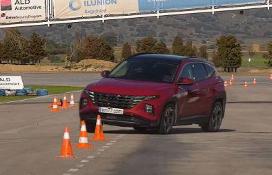 Hyundai Tucson нового поколения не порадовал повадками в «лосином тесте» (ВИДЕО)