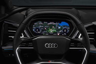 Audi показала салон электрического кроссовера Q4 e-tron: самый большой сенсорный экран и ассистент «Эй, Ауди»