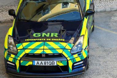 В Португалии полиция использует конфискованный Nissan GT-R для доставки донорских органов