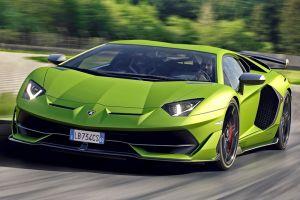 В России отзывают Lamborghini Aventador SVJ из-за открывающегося на ходу капота