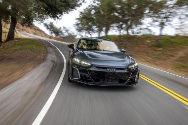 У Audi появился электрический монстр — суперседан на базе Porsche
