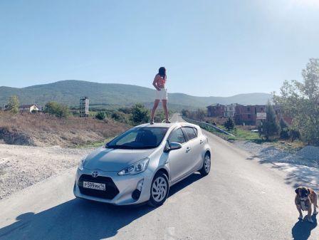 Toyota Aqua 2015 - отзыв владельца