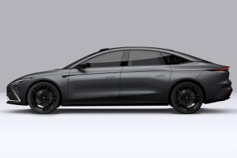 Китайский производитель назвал фирменный цвет нового электромобиля в честь русского художника Репина
