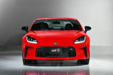 Toyota представила спорткар 86 нового поколения