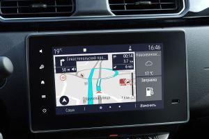 Отныне три модели Renault в России можно заводить при помощи смартфона