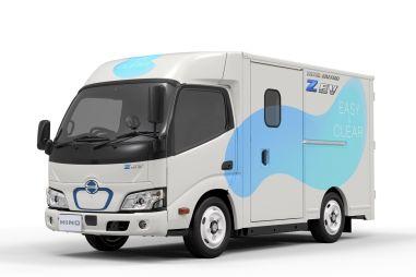 Hino представила электрический грузовик с низким уровнем пола