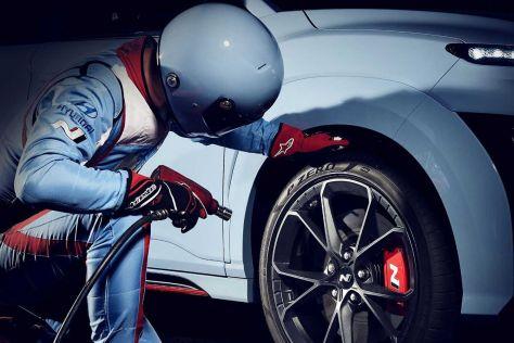 Hyundai опубликовала дату дебюта спортивного кроссовера Kona N (ВИДЕО)