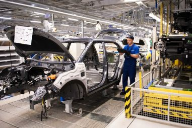 Росстат зафиксировал резкий рост производства автомобилей в России