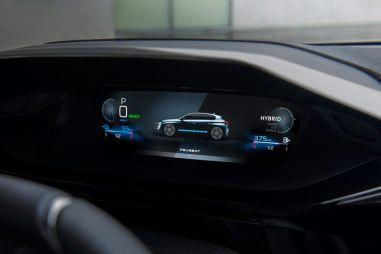 Новый Peugeot 308 остался без цифровой комбинации приборов из-за дефицита чипов