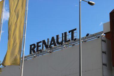 «Максималку» автомобилей Renault ограничат 180 км/ч